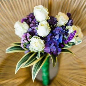 bouquet of white and purple-petaled flowers